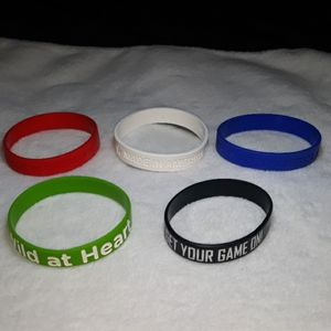 Set of 5 silicone colored bracelets